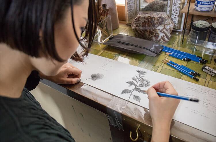 染色アーティスト古屋絵菜さんが「ひとえ」に描く2
