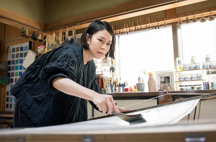 染色アーティスト古屋絵菜さんが「ひとえ」に描く3